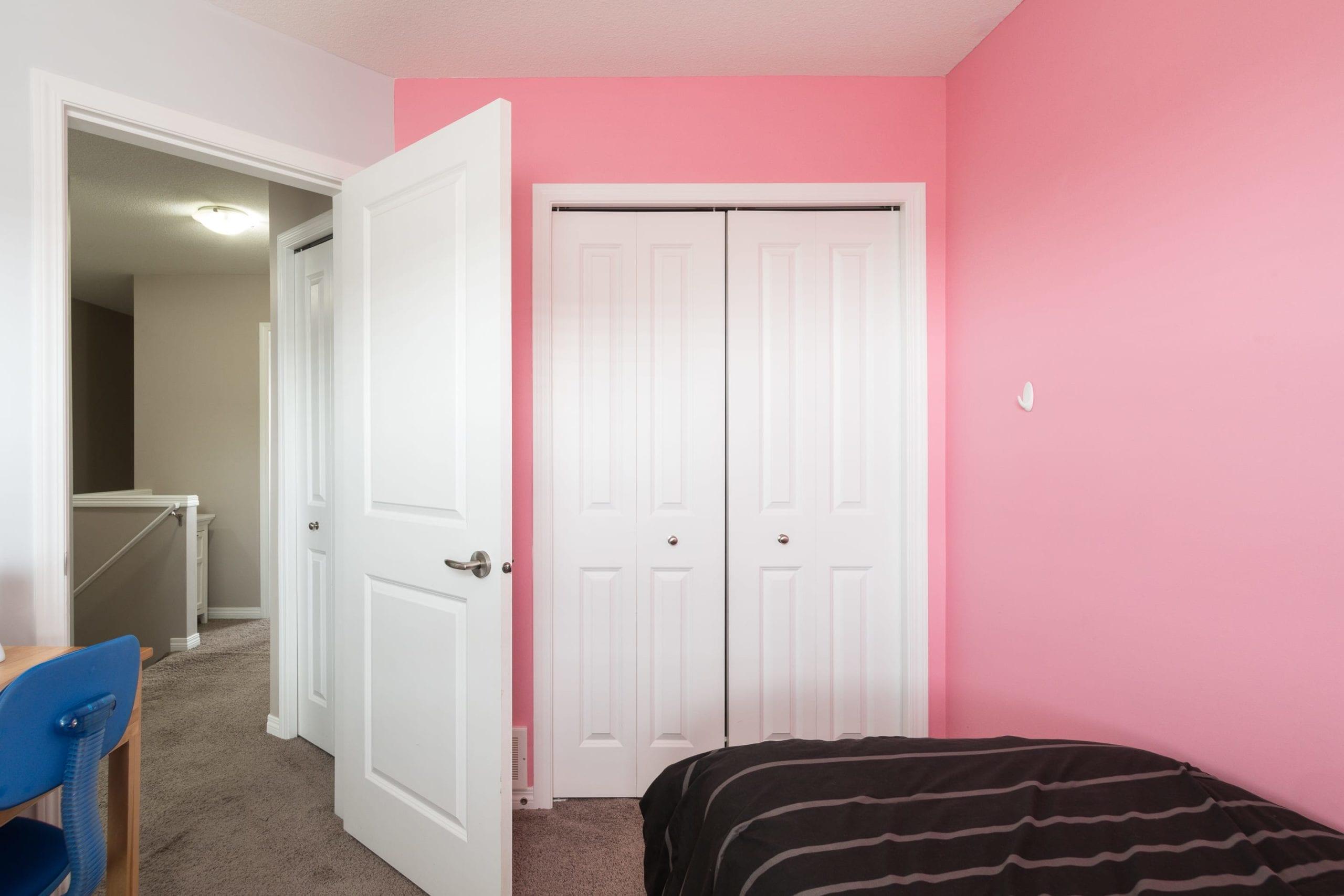 Hello Gorgeous - 1502 1001 8St NW - Tara Molina Real Estate (17 of 28)
