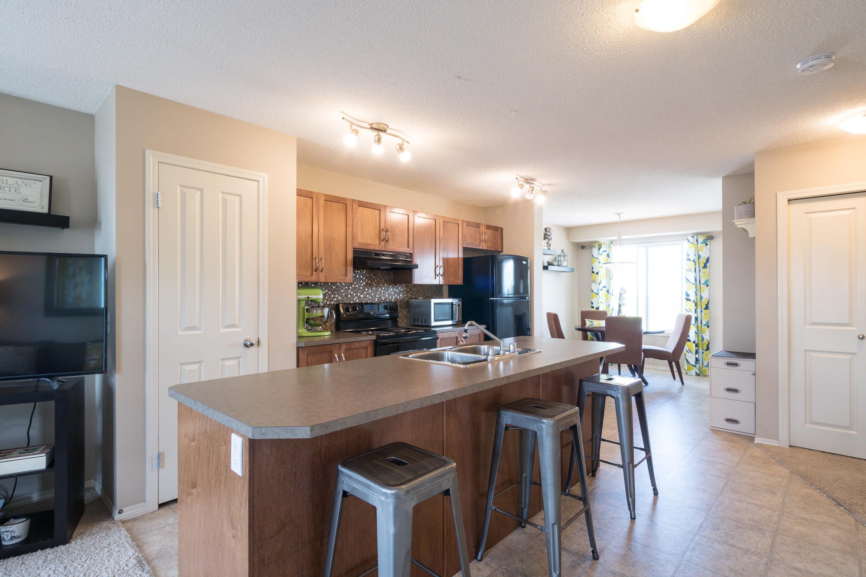 Hello Gorgeous - 302 Saddlebrook Pt NE - Tara Molina Real Estate (16 of 20)