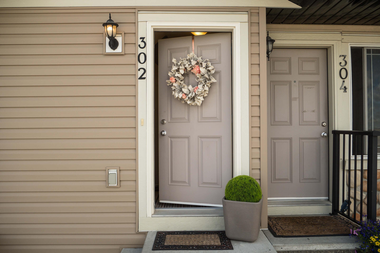 Hello Gorgeous - 302 Saddlebrook Pt NE - Tara Molina Real Estate (2 of 20)