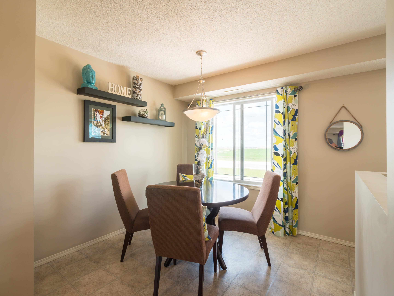 Hello Gorgeous - 302 Saddlebrook Pt NE - Tara Molina Real Estate (7 of 20)
