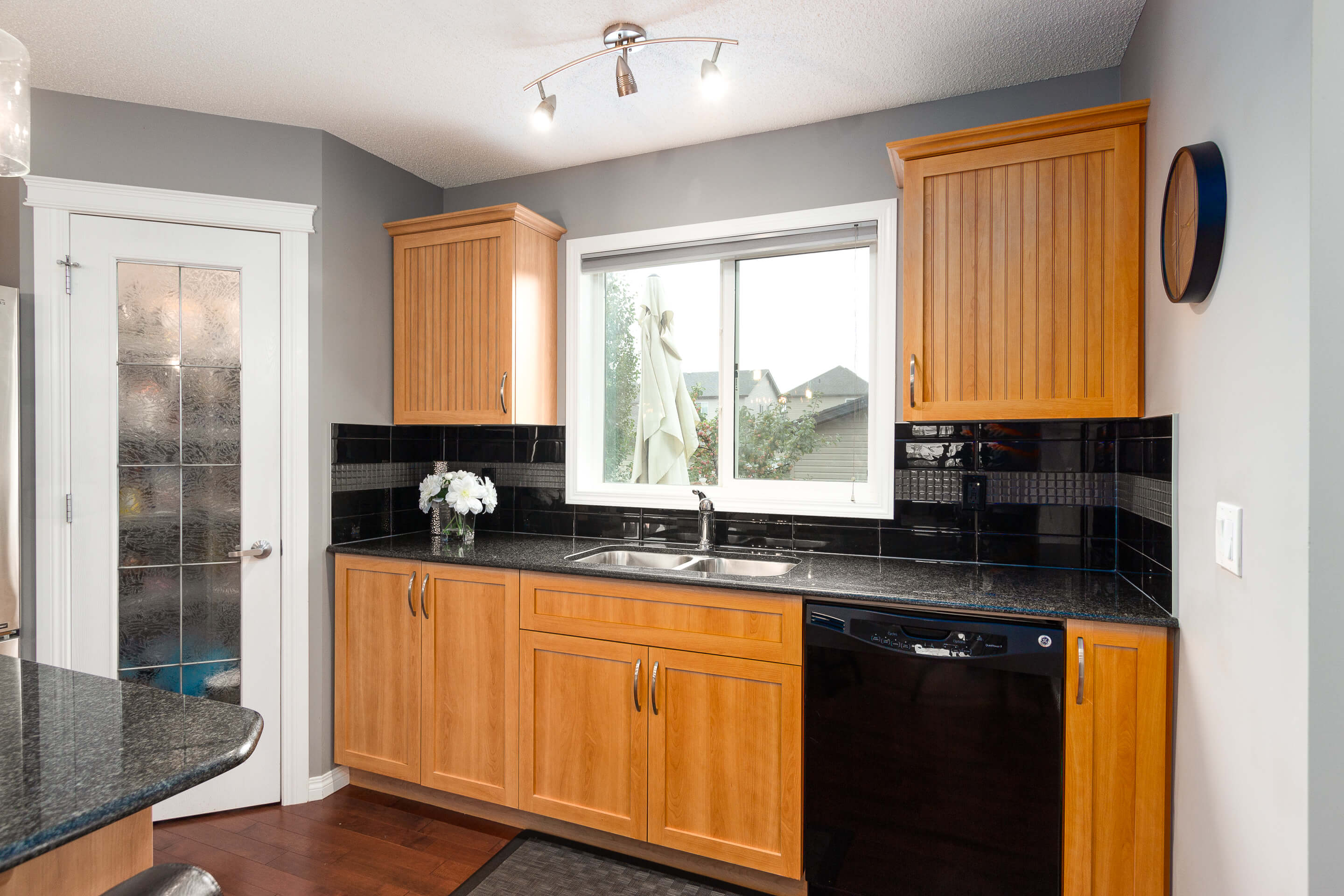 Hello Gorgeous - 156 Morningside Manor Airdrie - Tara Molina Real Estate (10 of 35)