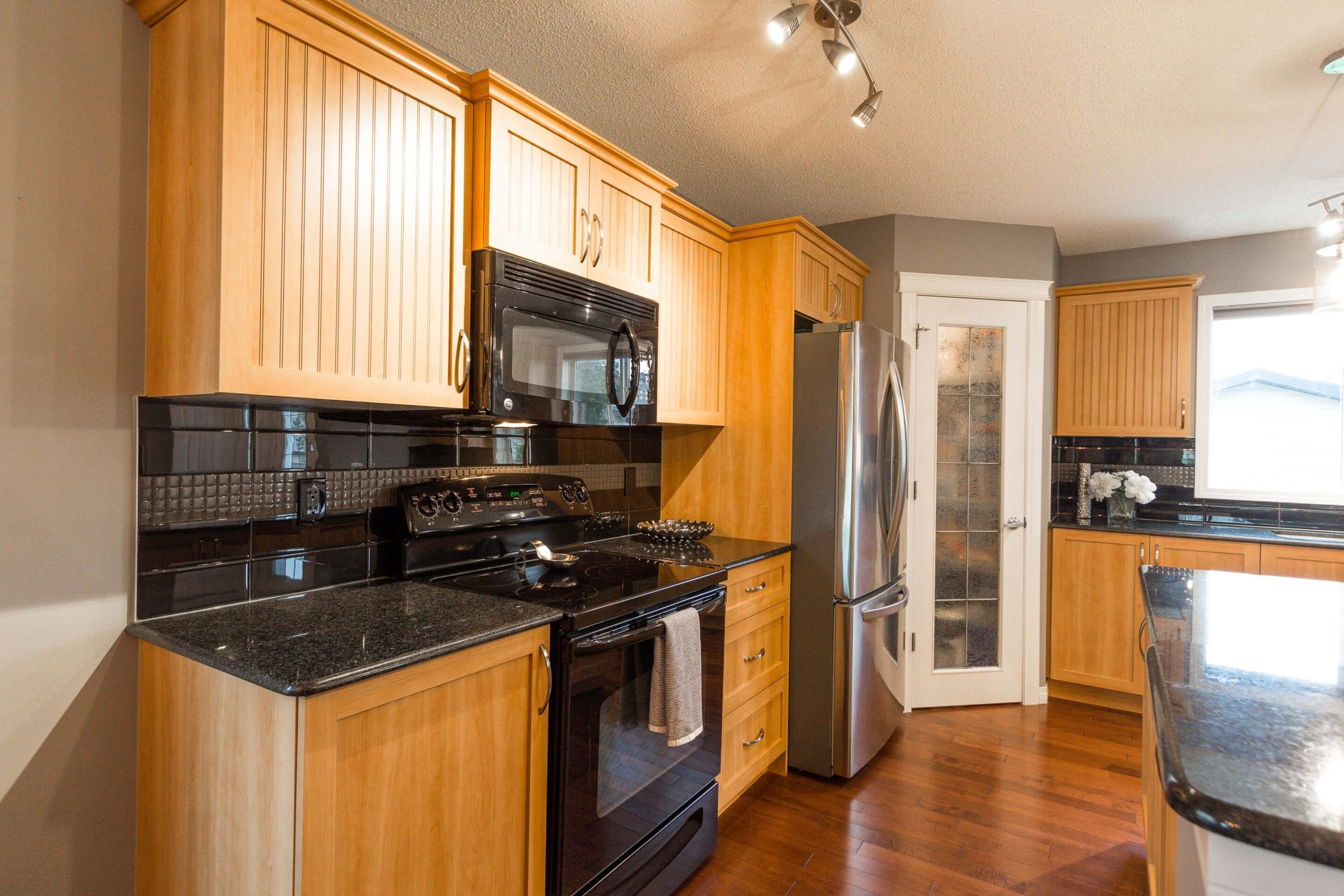 Hello Gorgeous - 156 Morningside Manor Airdrie - Tara Molina Real Estate (11 of 35)