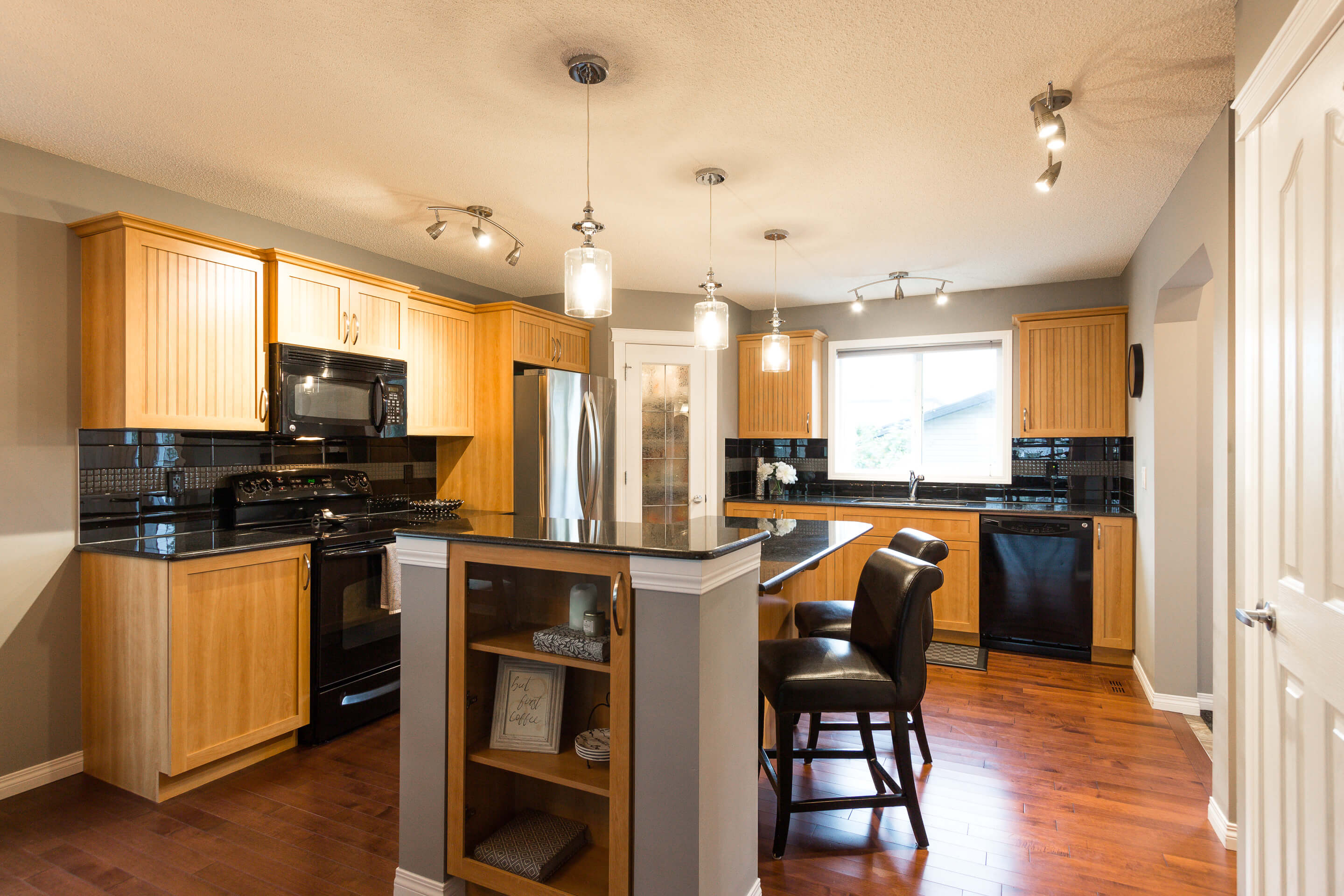 Hello Gorgeous - 156 Morningside Manor Airdrie - Tara Molina Real Estate (9 of 35)