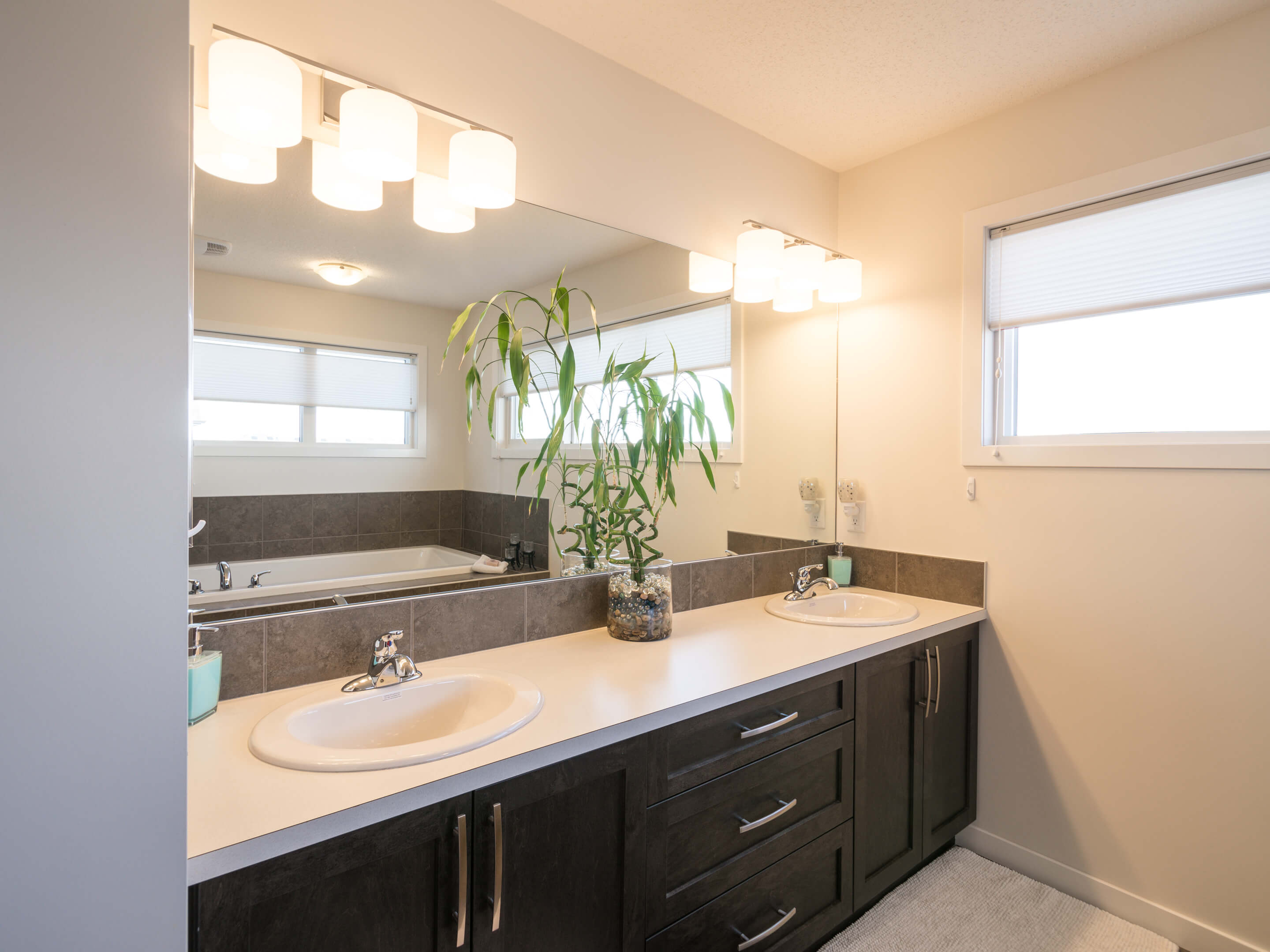 Hello Gorgeous - 213 Hillcrest Drive Airdrie - Tara Molina Real Estate (17 of 31)