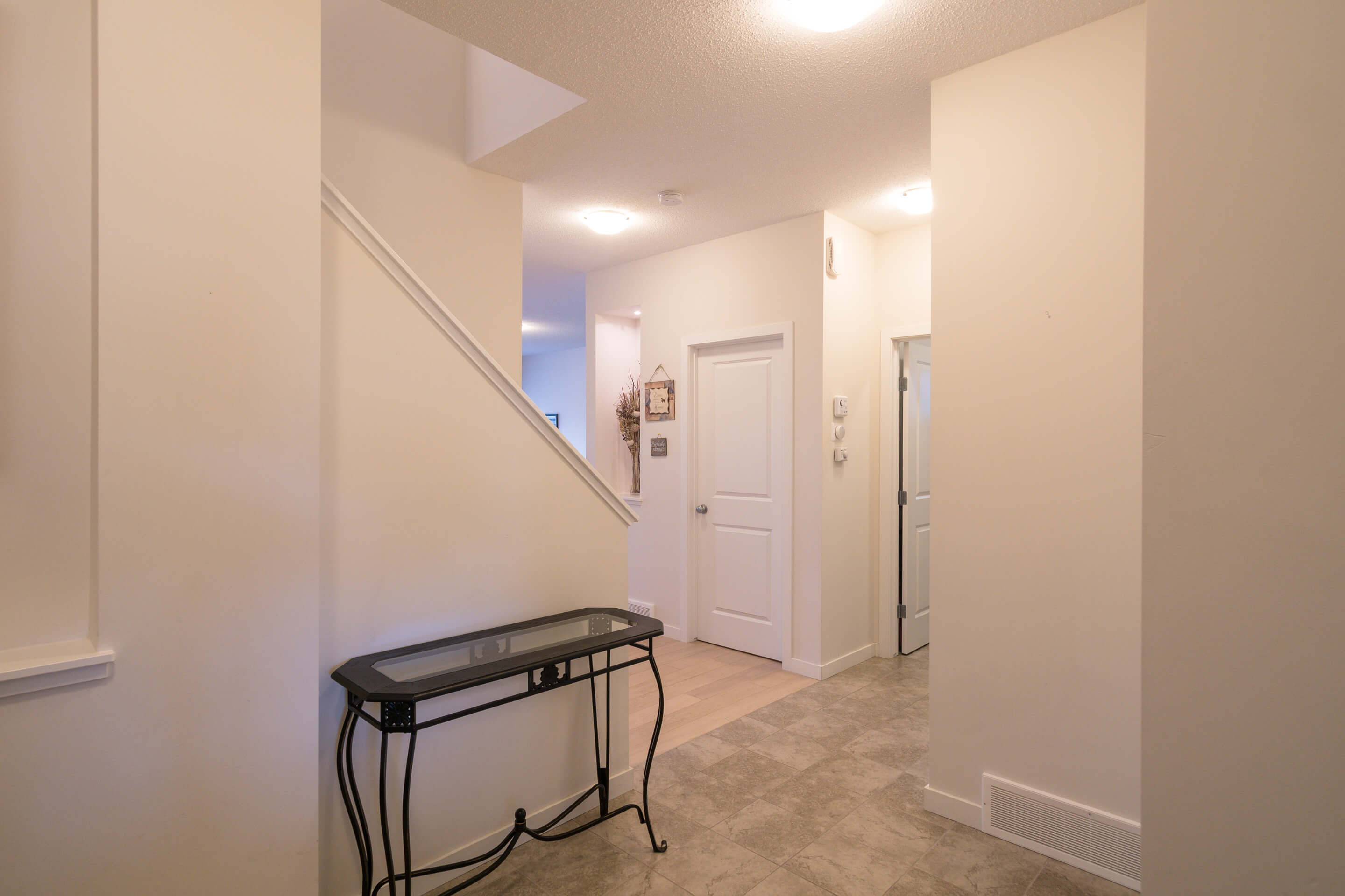 Hello Gorgeous - 213 Hillcrest Drive Airdrie - Tara Molina Real Estate (2 of 31)
