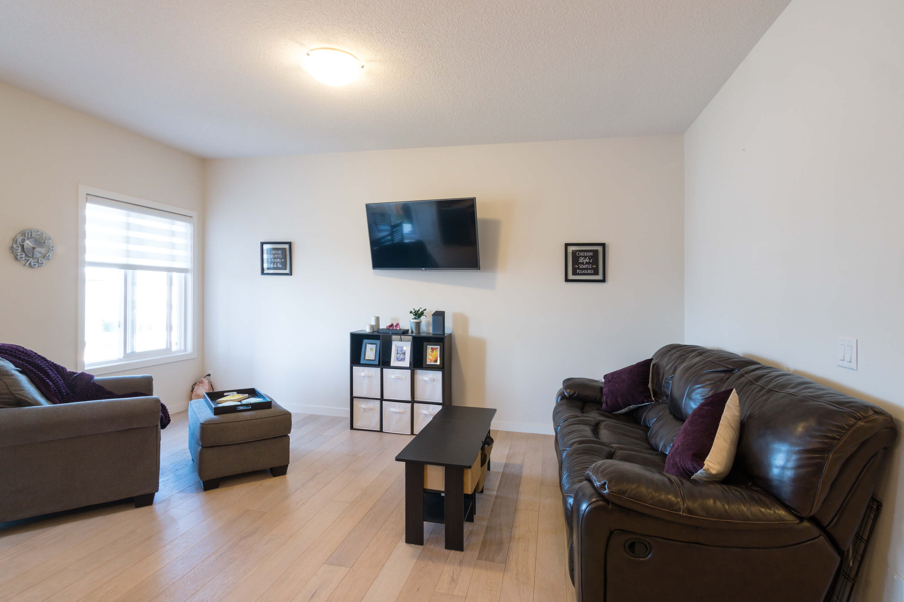 Hello Gorgeous - 213 Hillcrest Drive Airdrie - Tara Molina Real Estate (6 of 31)