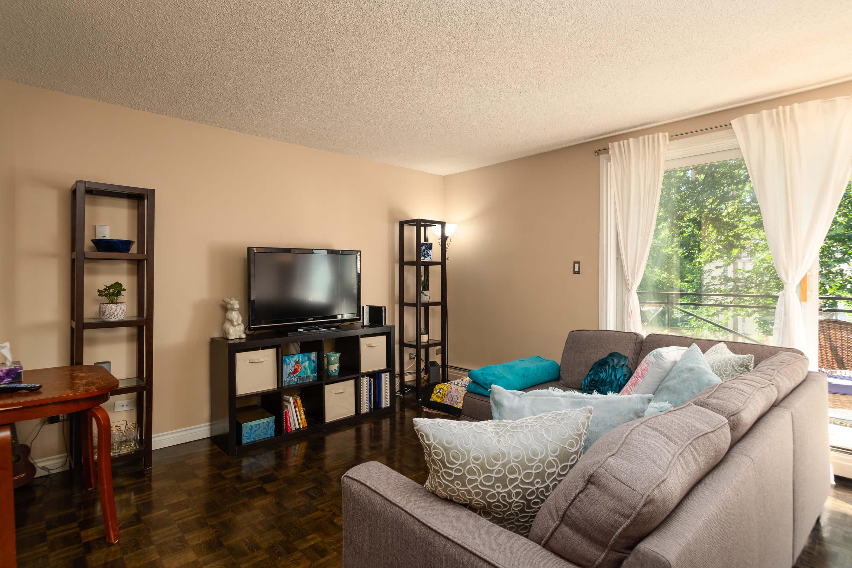 Hello Gorgeous - 402 120 24 Ave SW Calgary - Tara Molina Real Estate (4 of 20)
