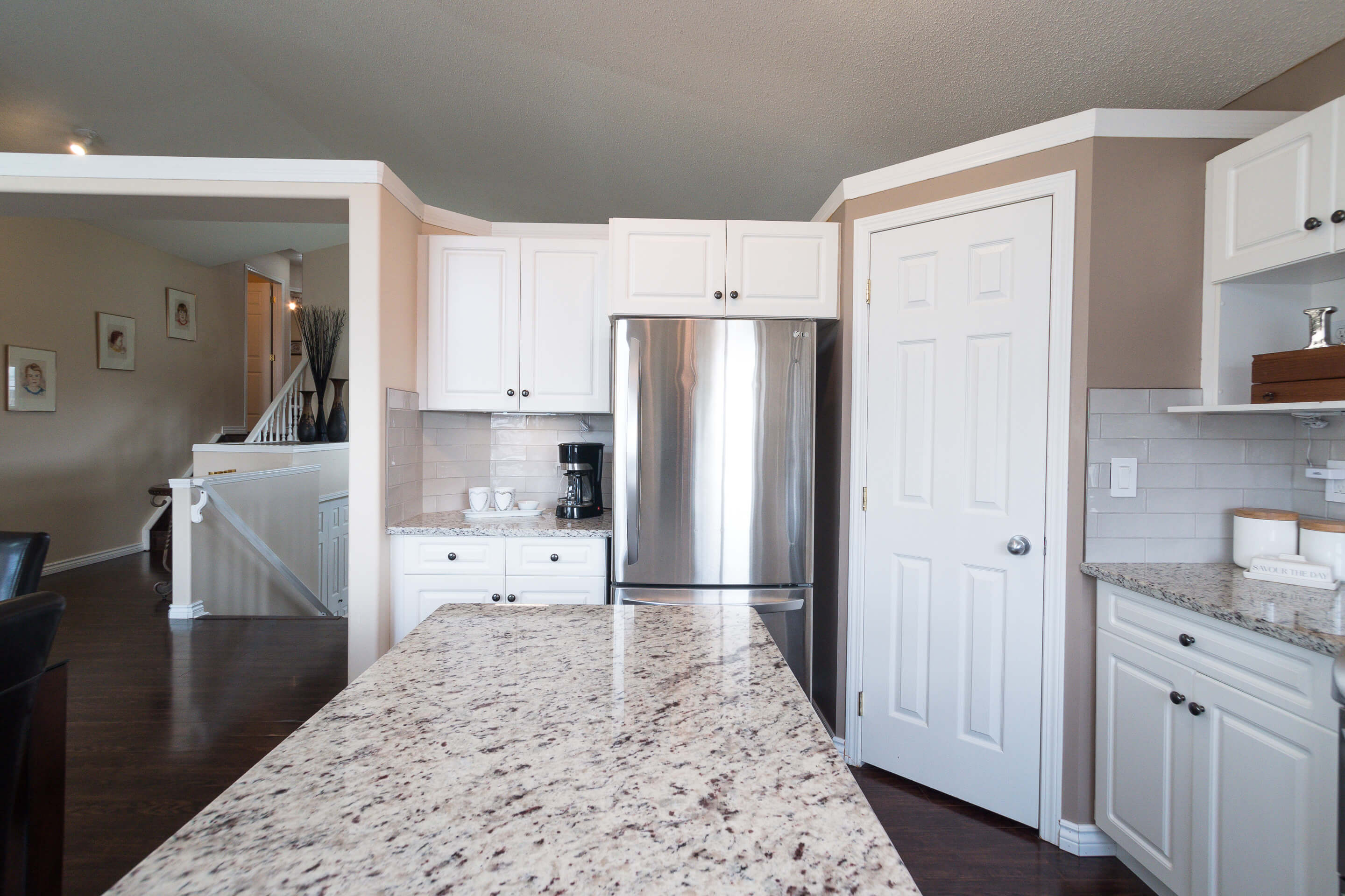 Hello Gorgeous - 225 Stonegate Crescent NW Airdrie - Tara Molina Real Estate (12 of 37)