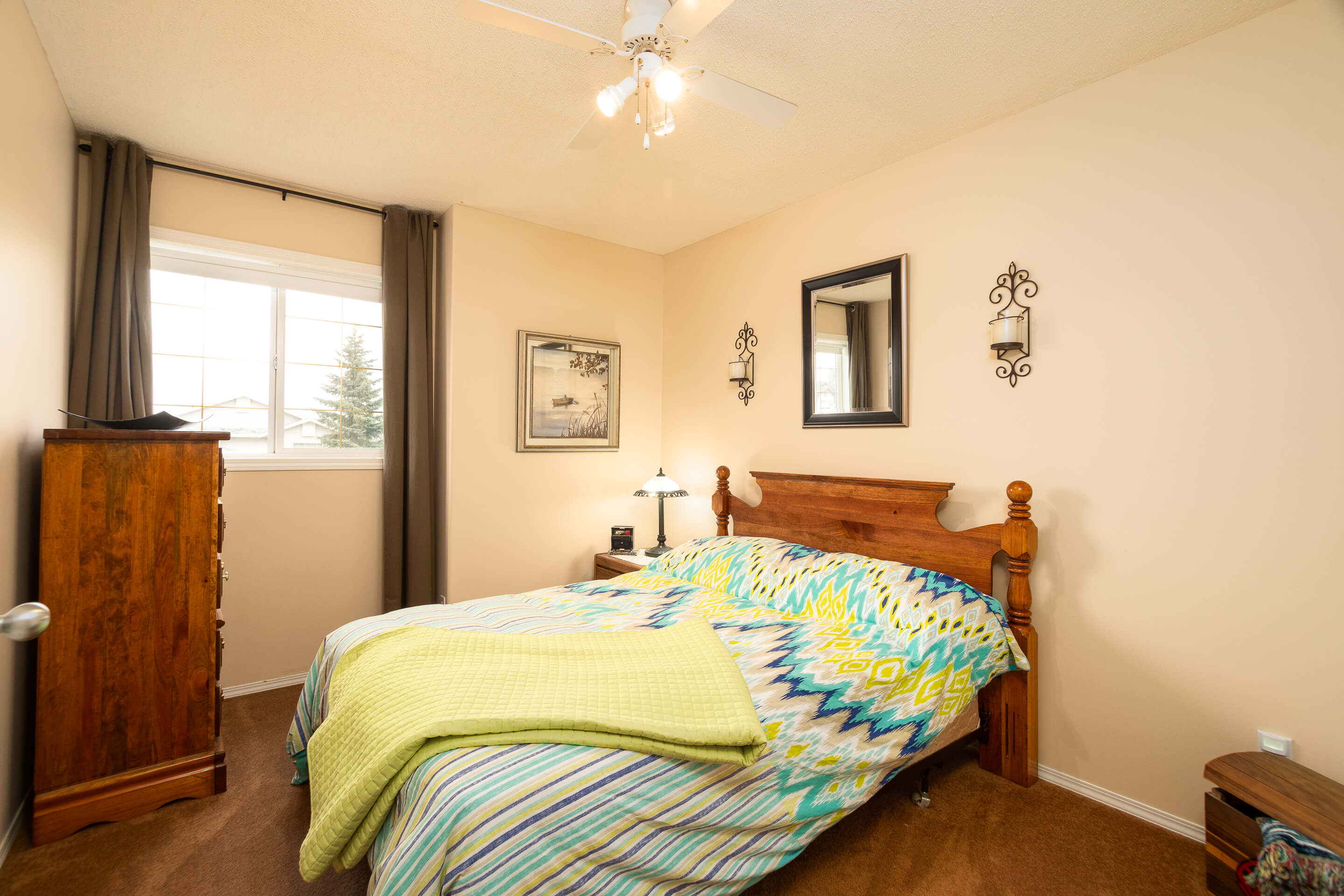 Hello Gorgeous - 225 Stonegate Crescent NW Airdrie - Tara Molina Real Estate (27 of 37)