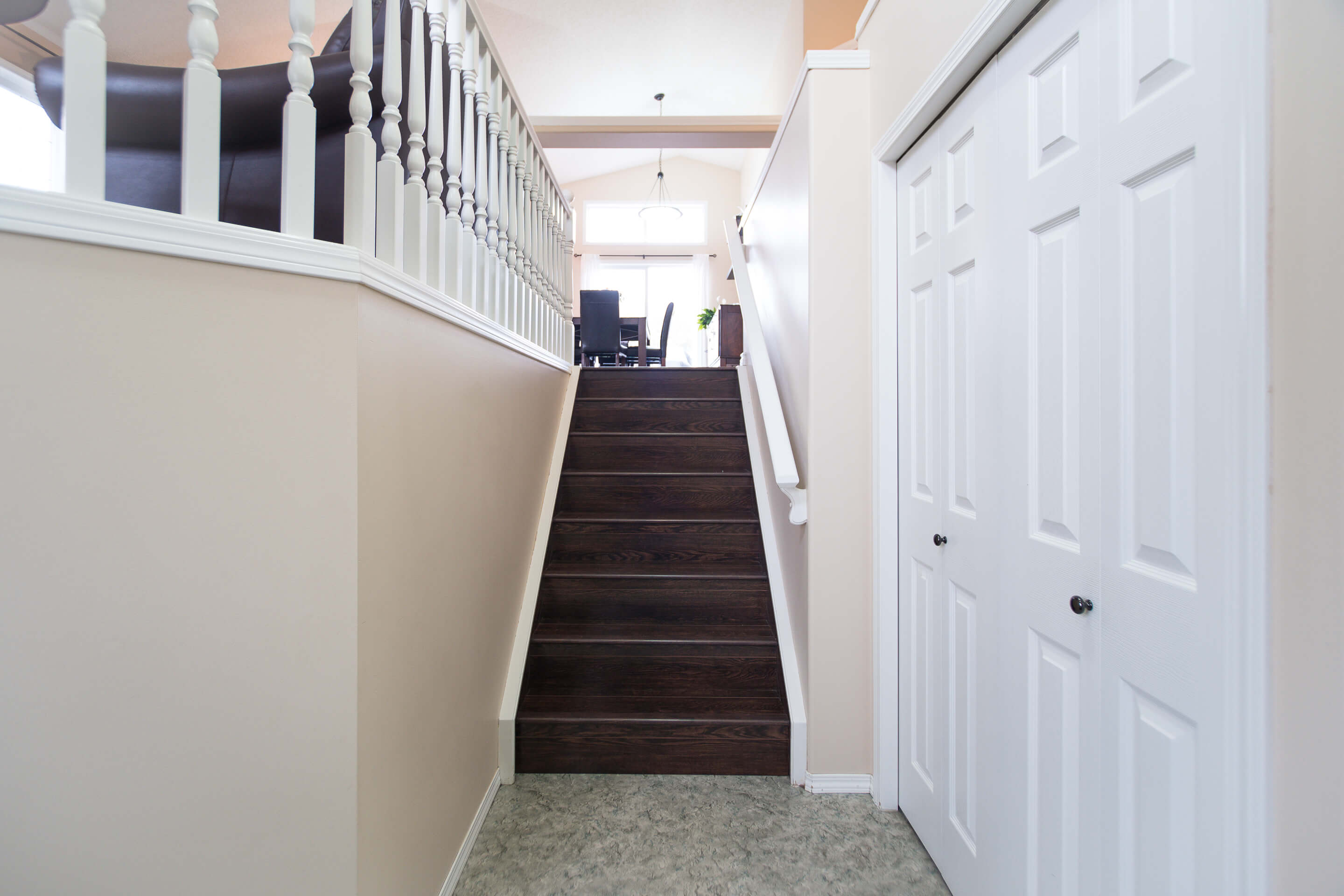 Hello Gorgeous - 225 Stonegate Crescent NW Airdrie - Tara Molina Real Estate (3 of 37)