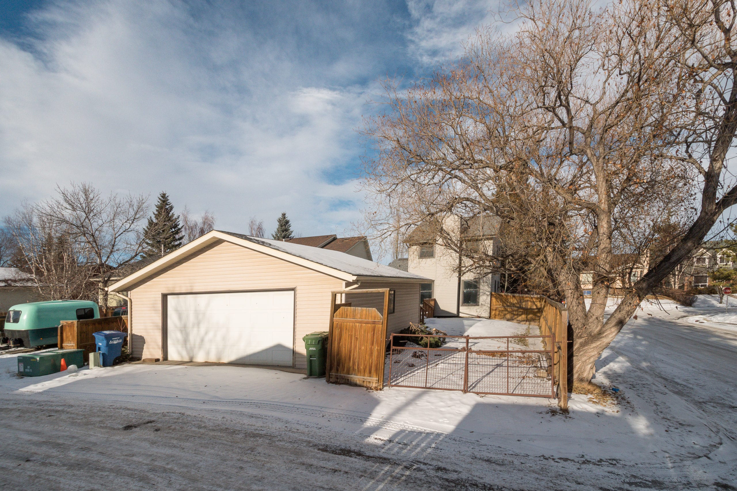 Hello Gorgeous - 4 Mountain Circle Airdrie AB - Tara Molina Real Estate (40 of 50)