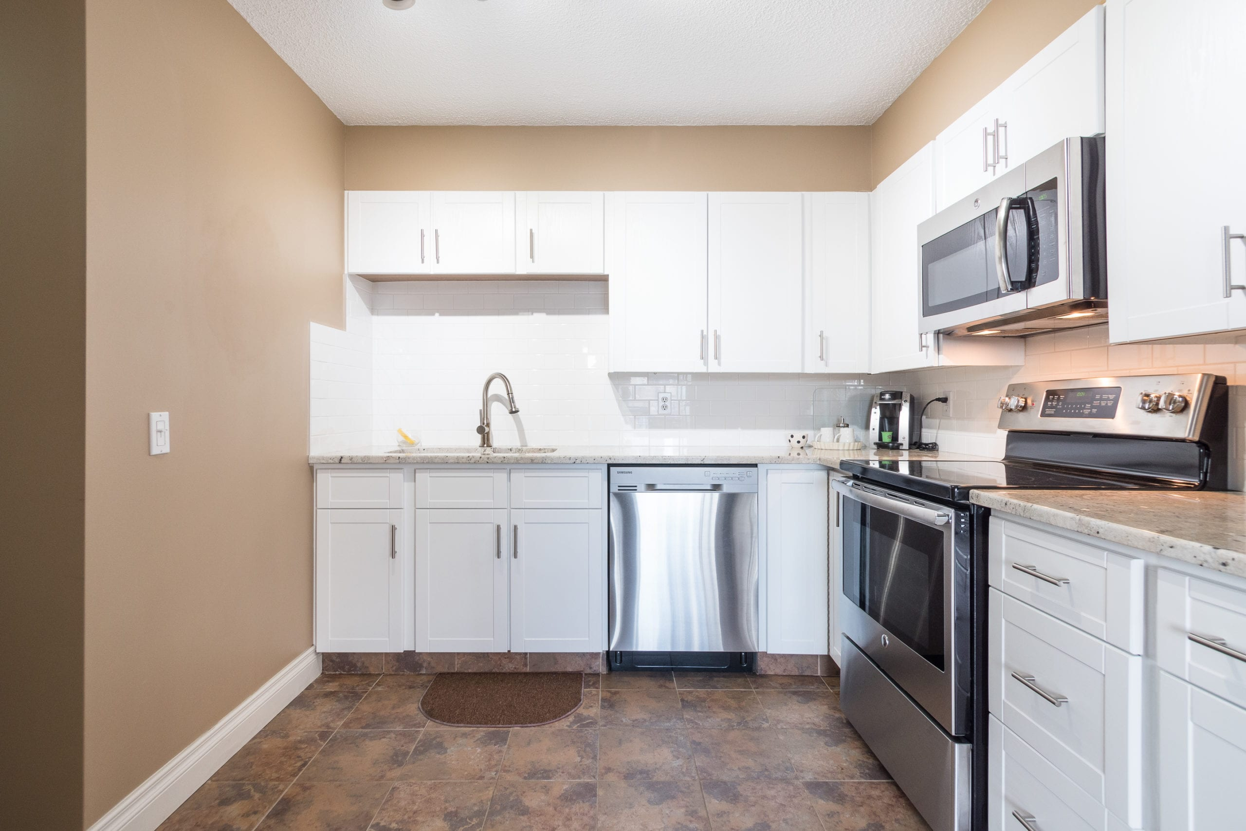 Hello Gorgeous - #705-145 point drive NW, Calgary AB - Tara Molina Real Estate (7 of 45)