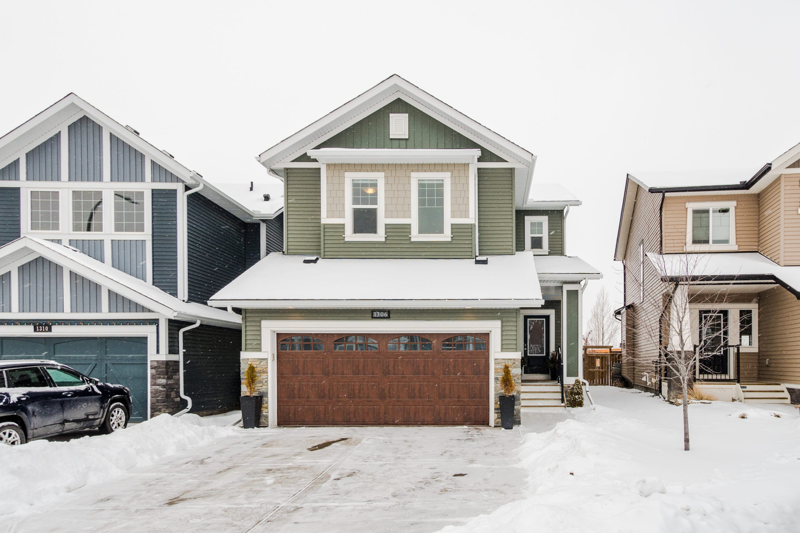 Hello Gorgeous - 1306 Kings Heights Way SE, Airdrie AB. - Tara Molina Real Estate (1 of 53)