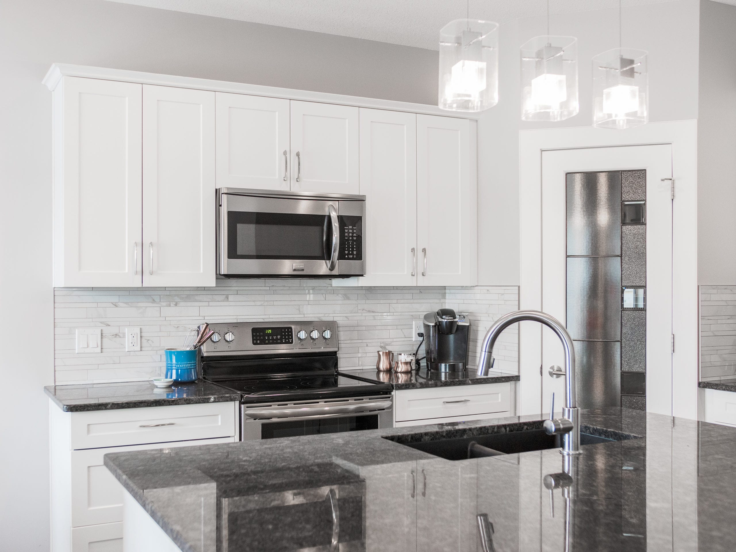 Hello Gorgeous - 1306 Kings Heights Way SE, Airdrie AB. - Tara Molina Real Estate (12 of 53)