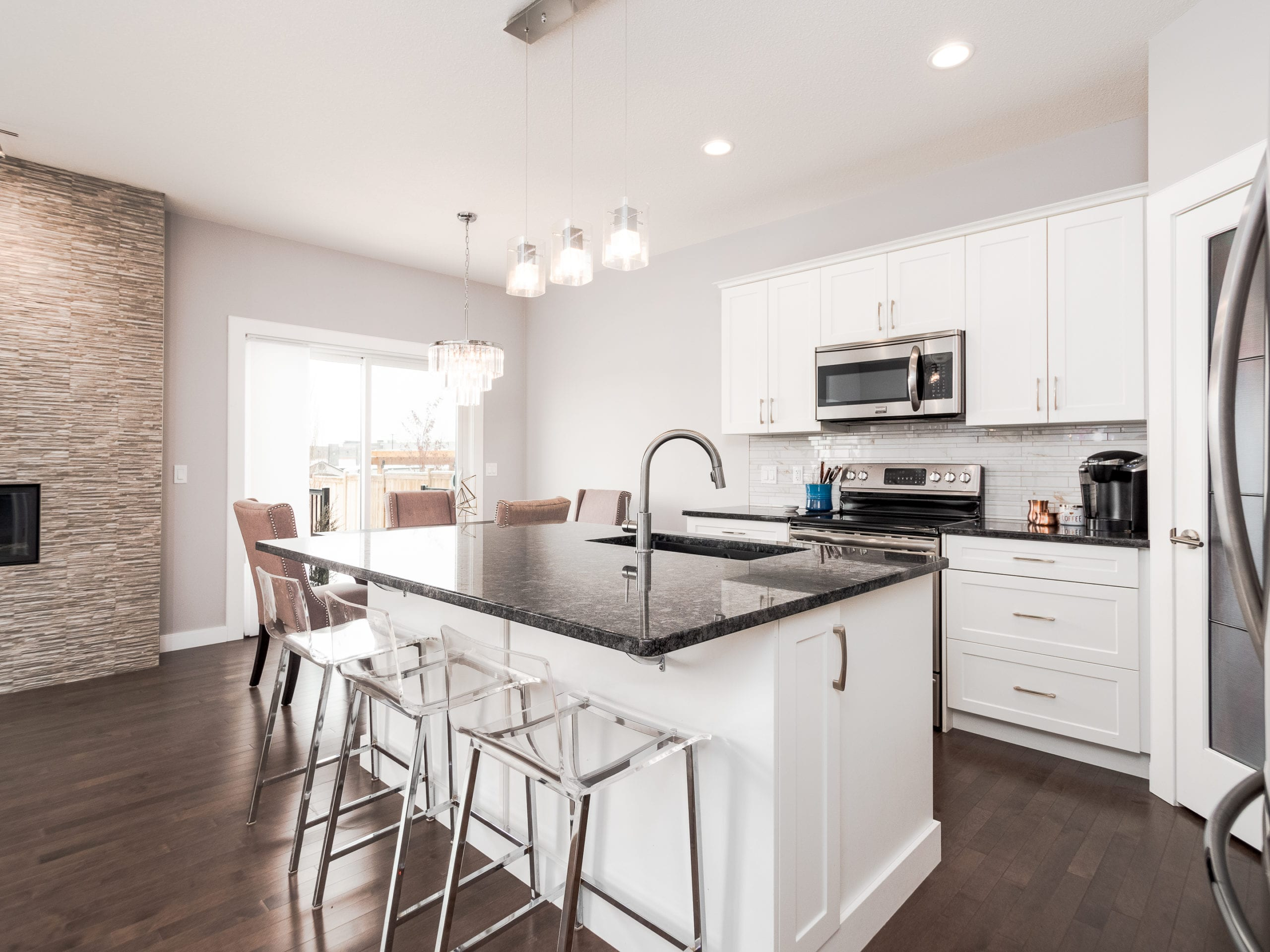 Hello Gorgeous - 1306 Kings Heights Way SE, Airdrie AB. - Tara Molina Real Estate (4 of 53)