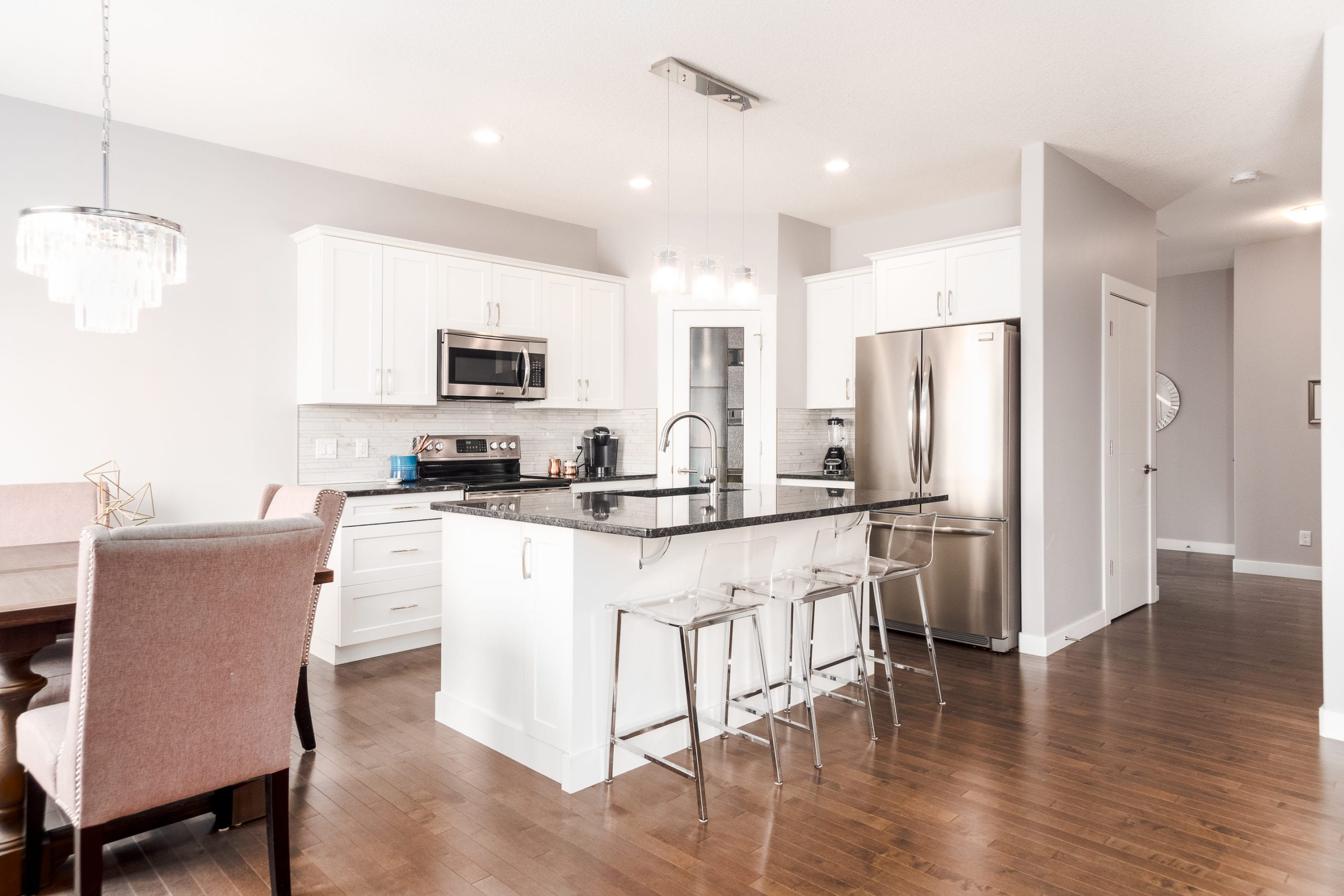 Hello Gorgeous - 1306 Kings Heights Way SE, Airdrie AB. - Tara Molina Real Estate (6 of 53)