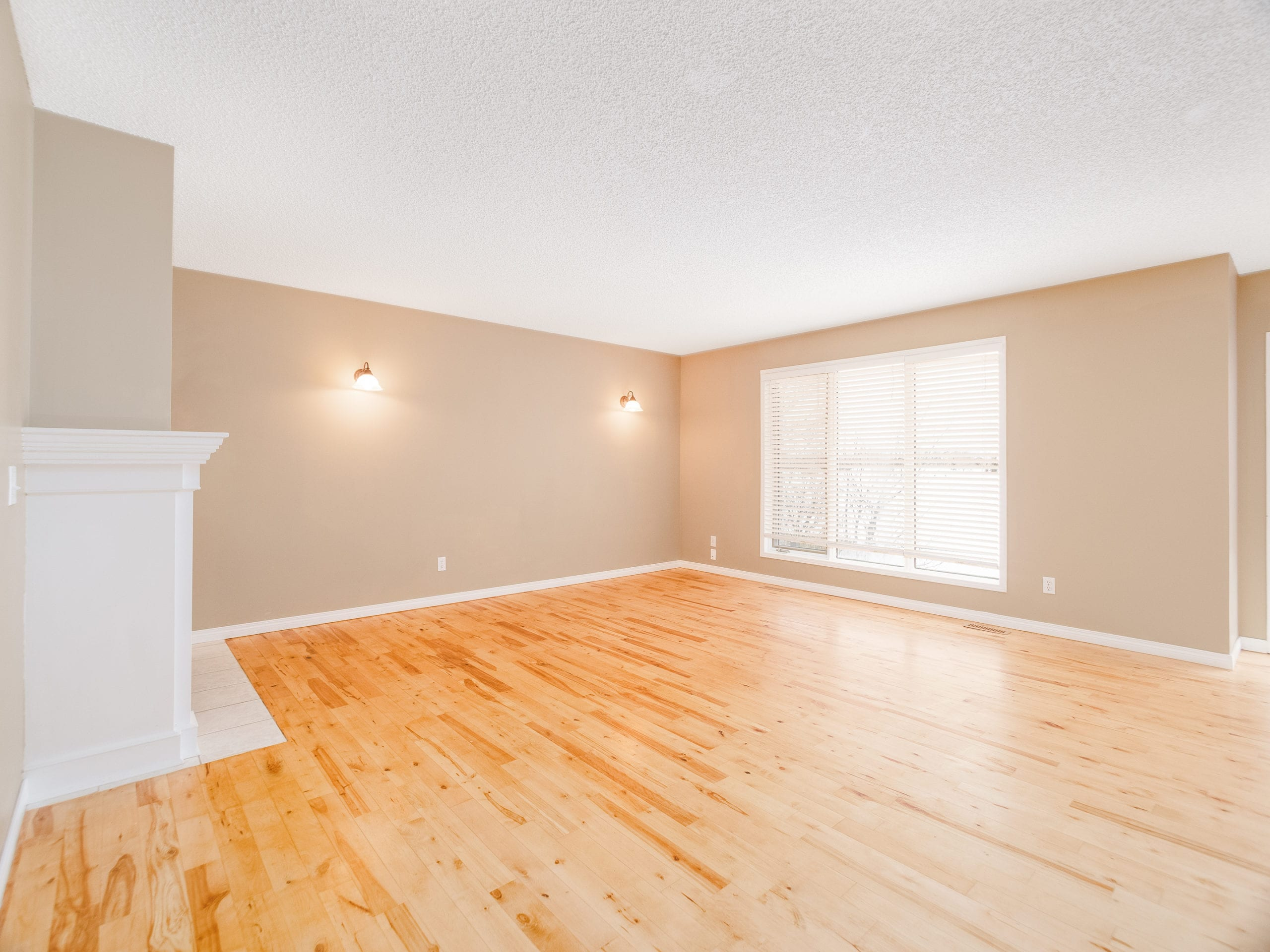 Hello Gorgeous - 143 Woodside Road NW, Airdrie AB. - Tara Molina Real Estate (7 of 54)
