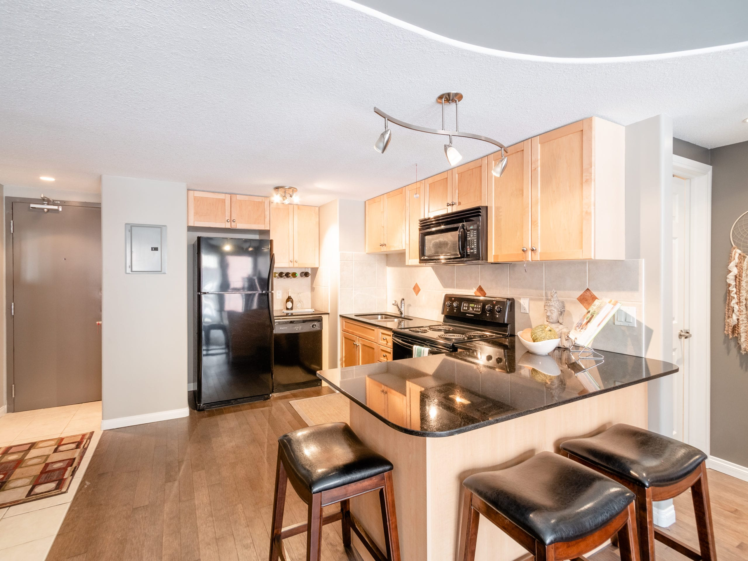 Hello Gorgeous - 207 1424 22 Ave SW Calgary - Tara Molina Real Estate (1 of 16)
