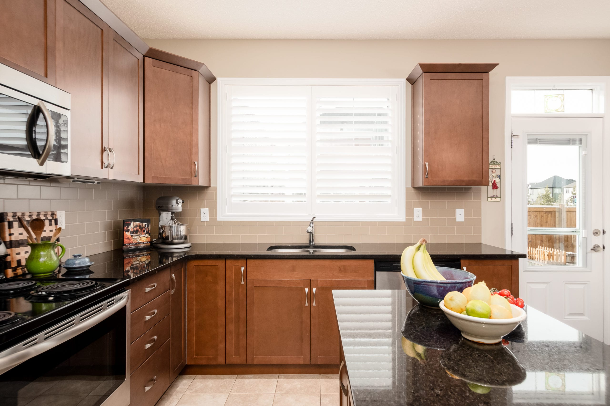 Hello Gorgeous - 503 Windbrook Heights SW Airdrie - Tara Molina Real Estate (13 of 58)