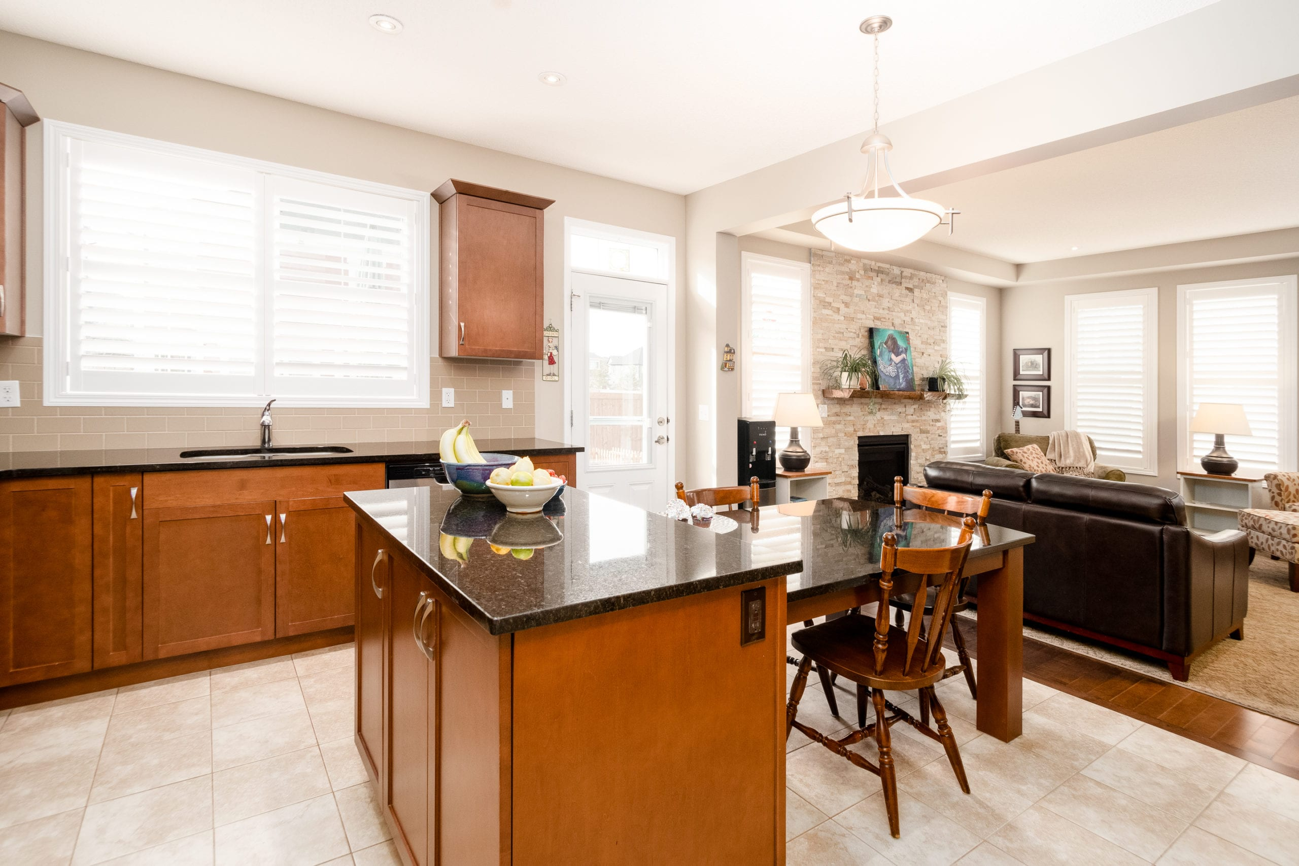Hello Gorgeous - 503 Windbrook Heights SW Airdrie - Tara Molina Real Estate (14 of 58)