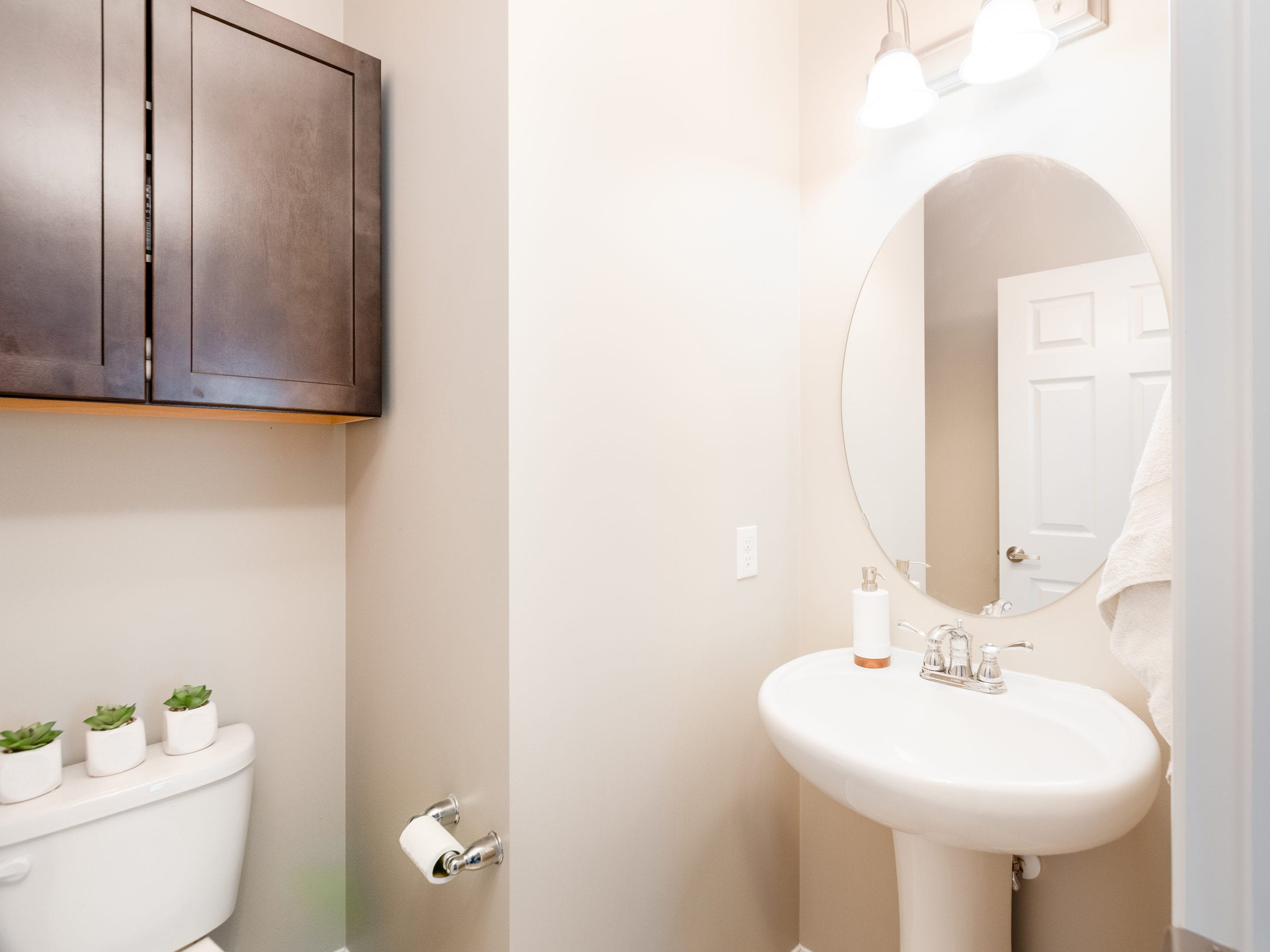 Hello Gorgeous - 503 Windbrook Heights SW Airdrie - Tara Molina Real Estate (22 of 58)