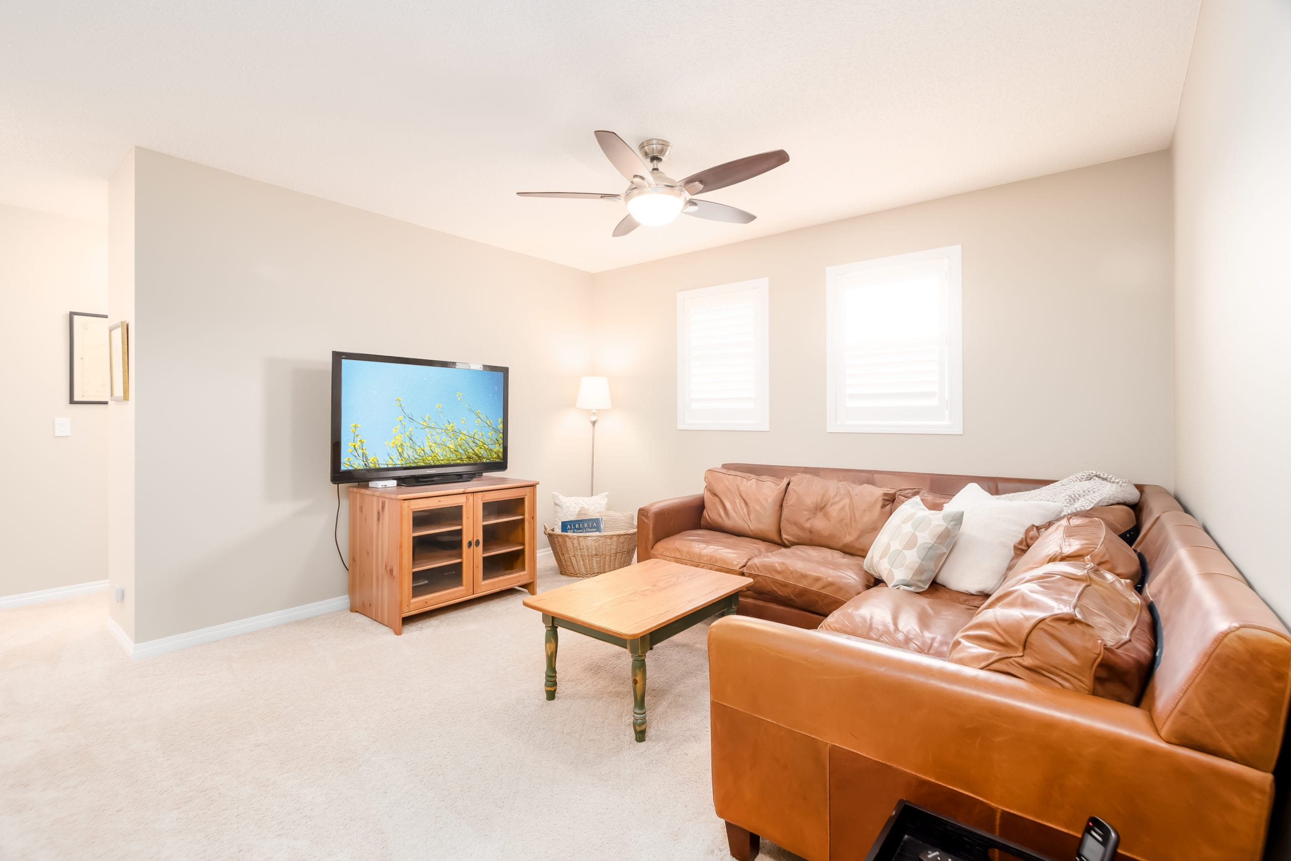 Hello Gorgeous - 503 Windbrook Heights SW Airdrie - Tara Molina Real Estate (23 of 58)