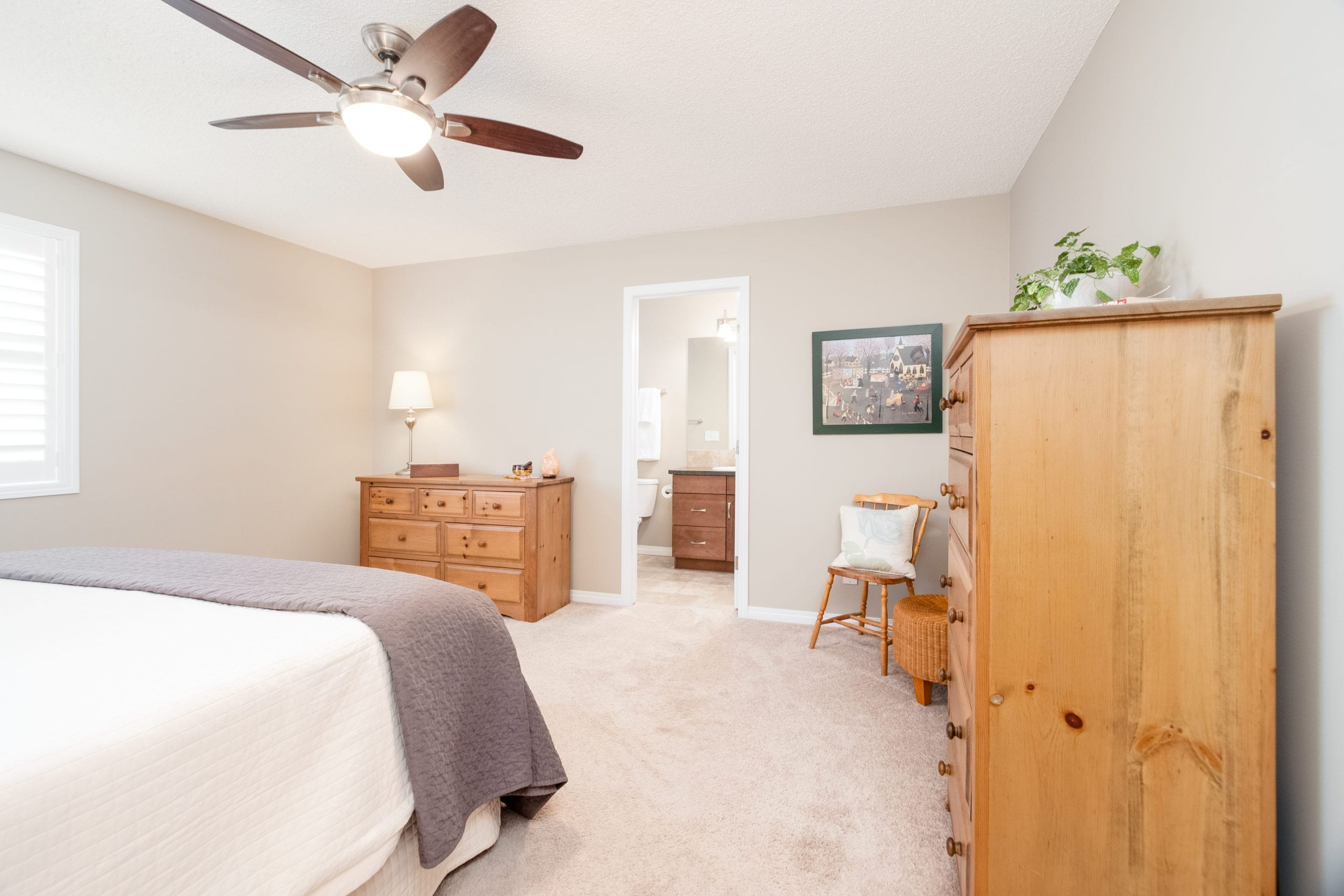 Hello Gorgeous - 503 Windbrook Heights SW Airdrie - Tara Molina Real Estate (26 of 58)