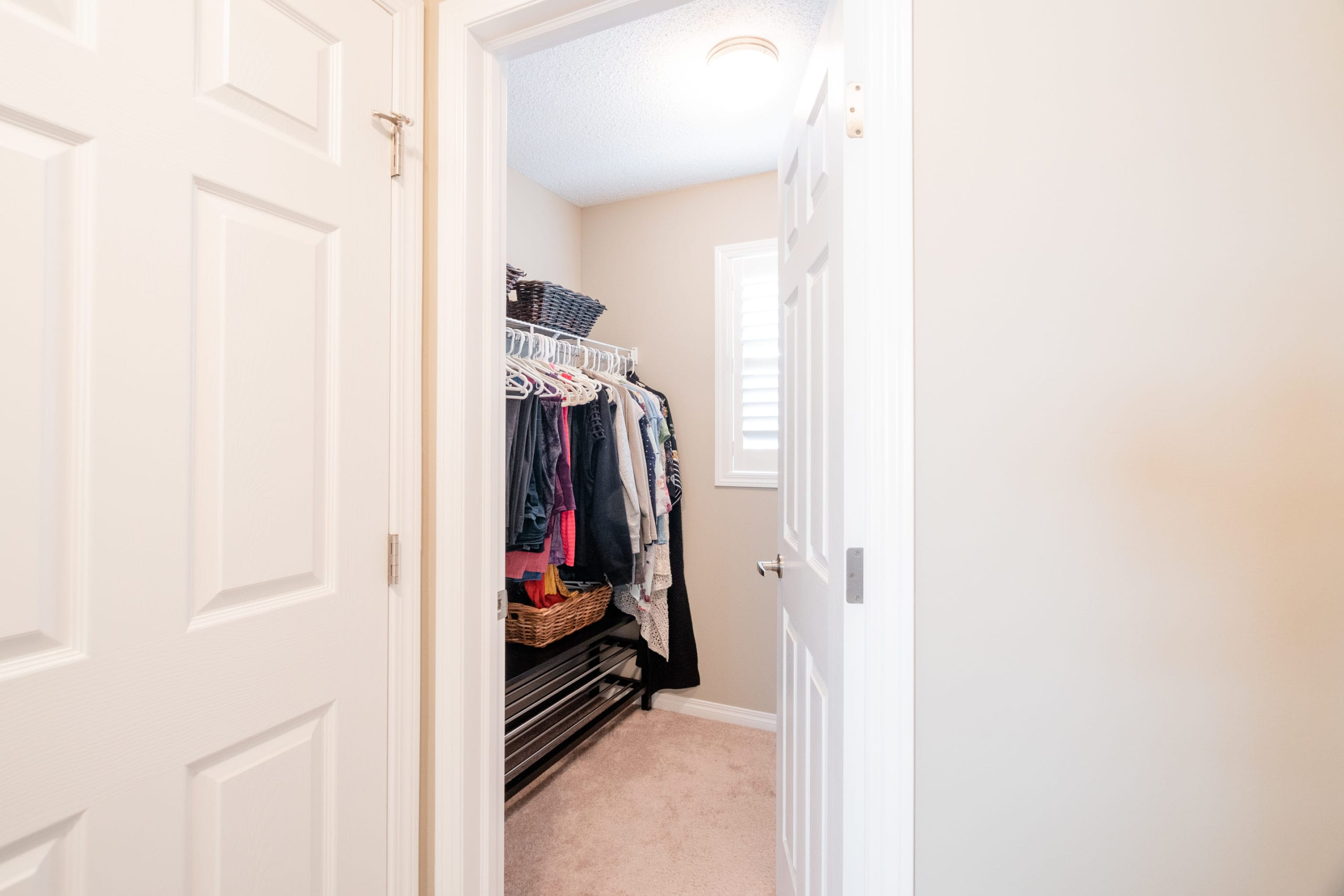 Hello Gorgeous - 503 Windbrook Heights SW Airdrie - Tara Molina Real Estate (32 of 58)