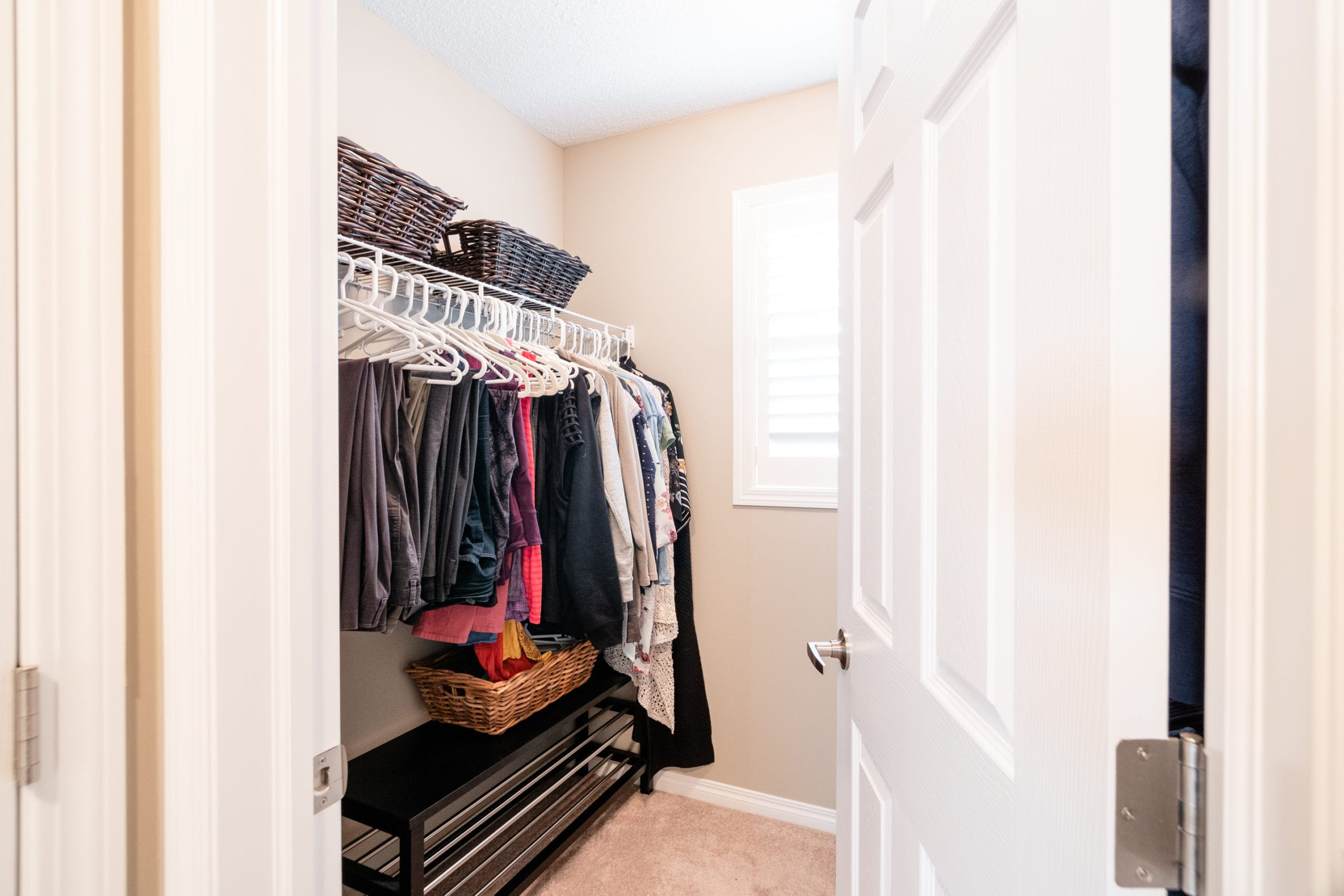 Hello Gorgeous - 503 Windbrook Heights SW Airdrie - Tara Molina Real Estate (33 of 58)