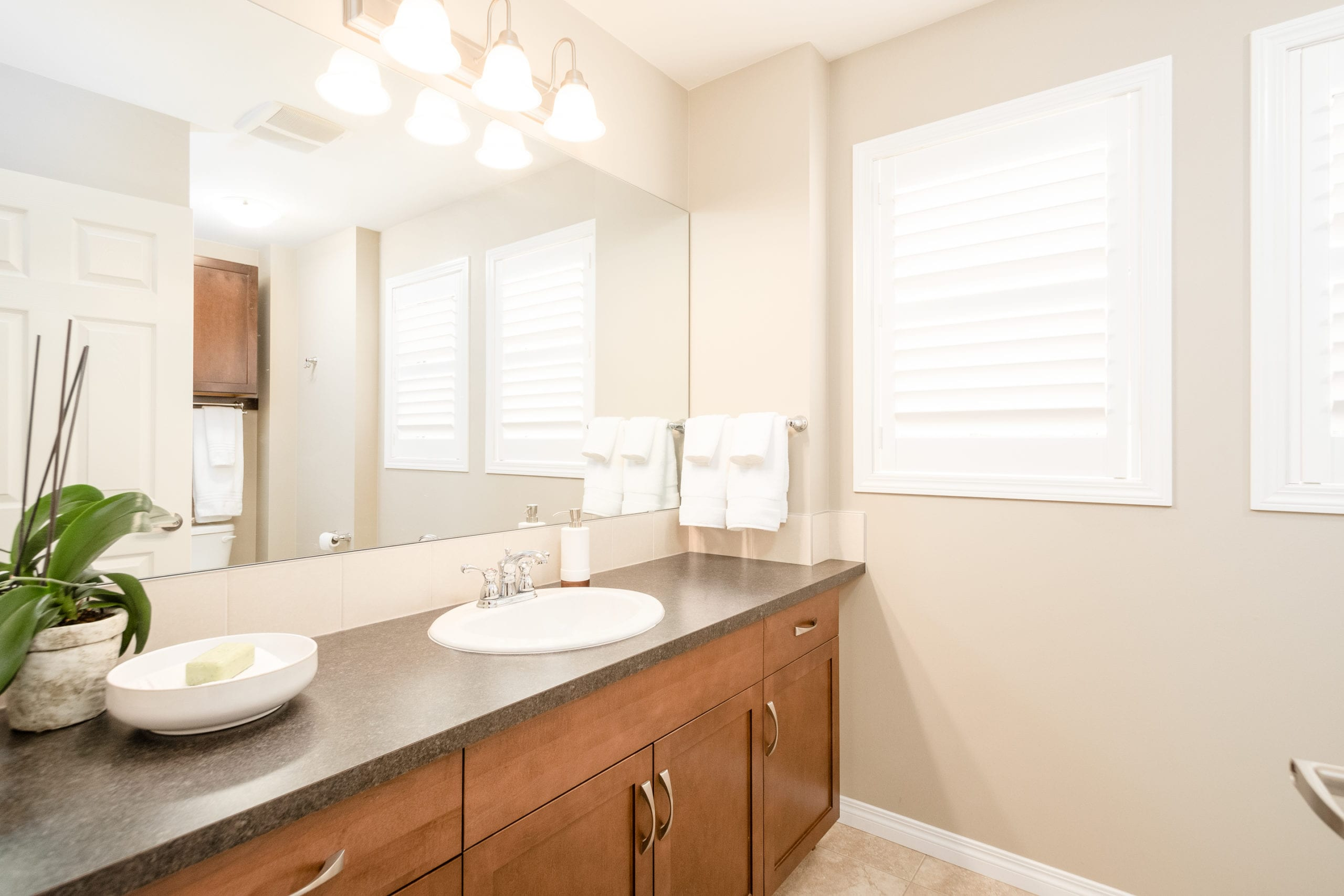 Hello Gorgeous - 503 Windbrook Heights SW Airdrie - Tara Molina Real Estate (38 of 58)