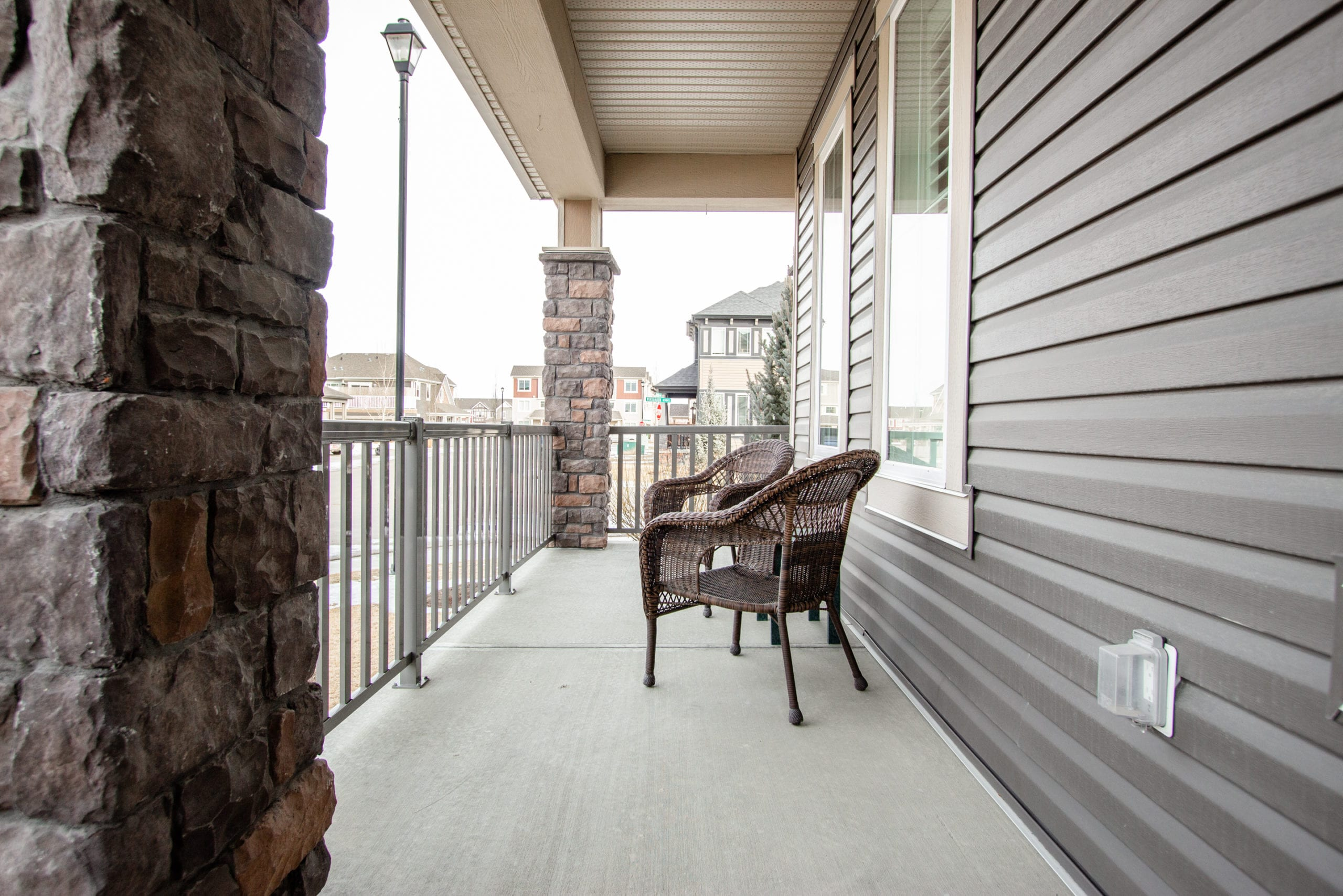 Hello Gorgeous - 503 Windbrook Heights SW Airdrie - Tara Molina Real Estate (5 of 58)