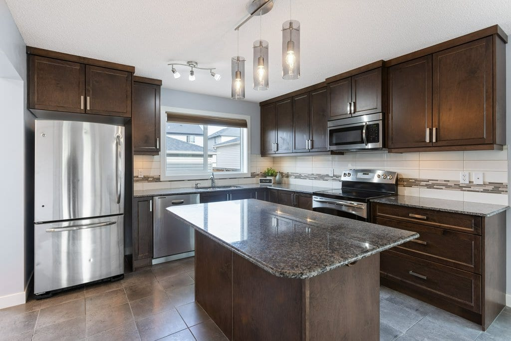 1004 Kings Heights Road, Airdrie, AB